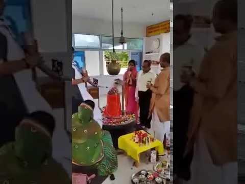 Rudrabhishek being done by Shri Trivedi
